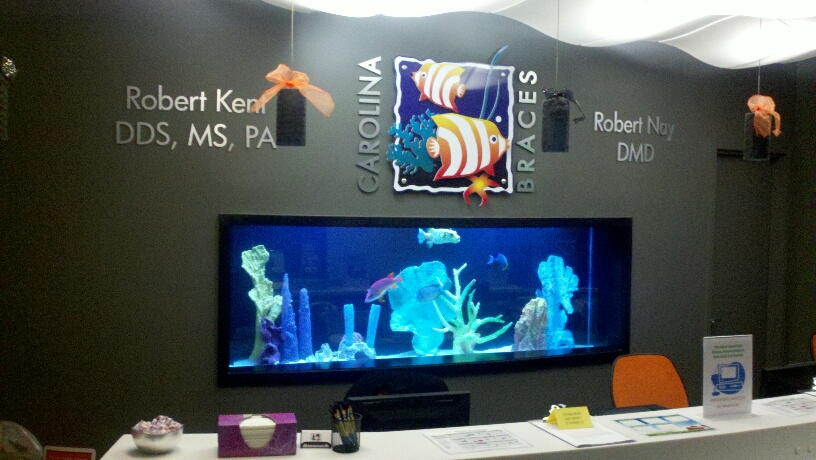 Saltwater fish displays aquatic creations group inc for Office fish tank